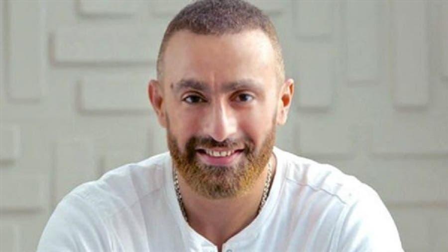 أحمد السقا يخضع لعملية جراحية في عينه