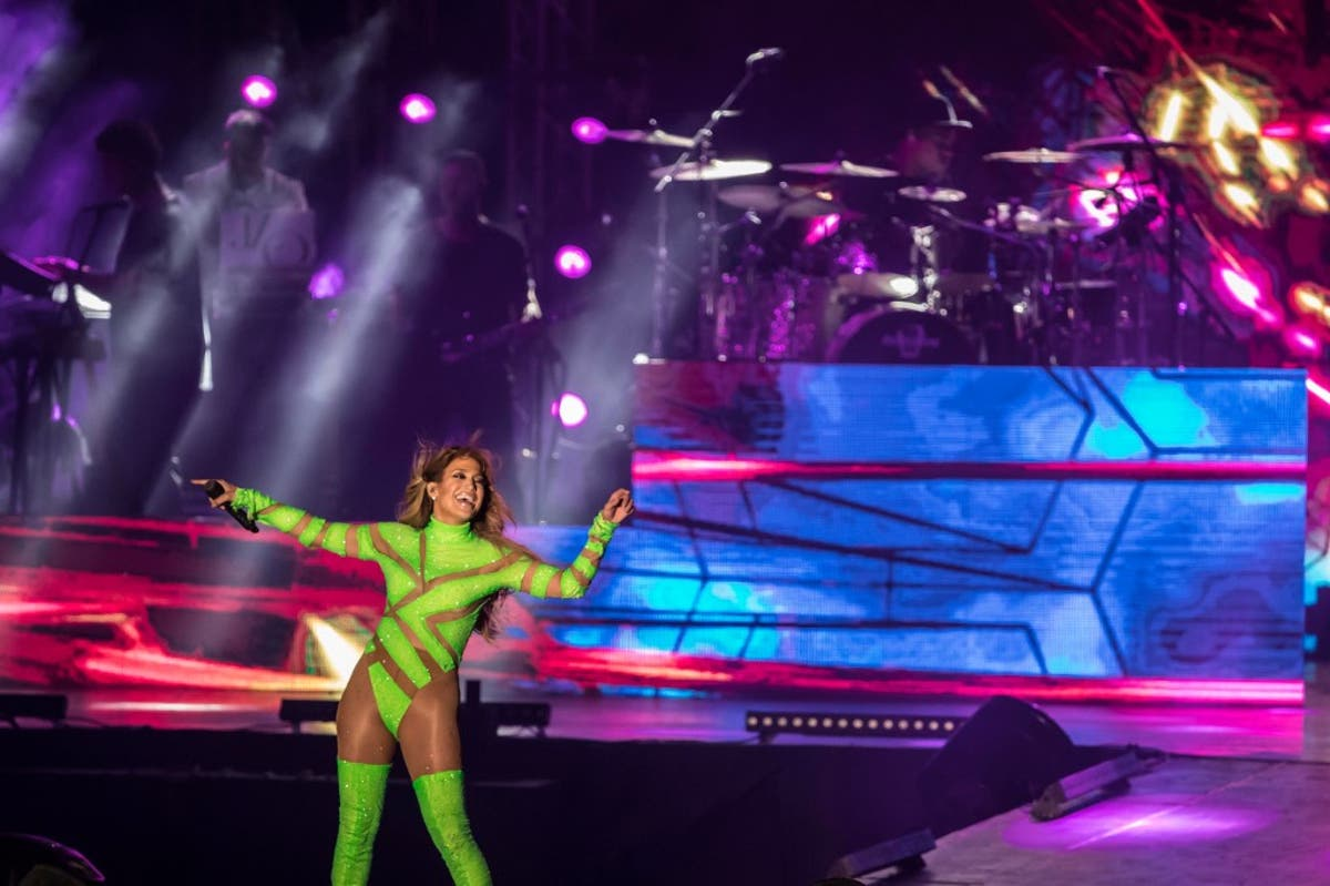 Jennifer Lopez Under Fire After Performing 'Semi-Naked' in Egypt