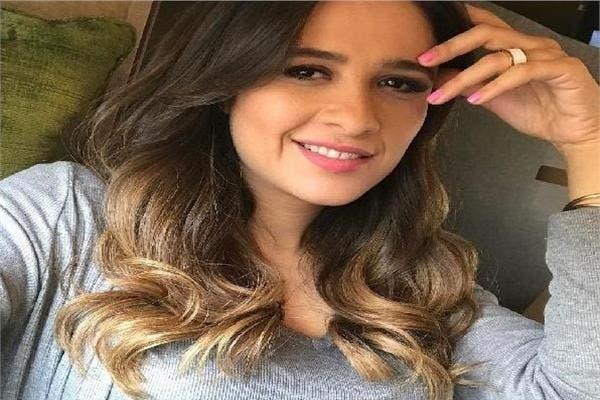 في أول ظهور لها: ابنة ياسمين عبد العزيز تشعل مواقع التواصل