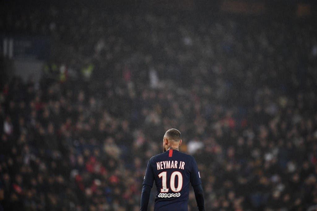 باريس سان جيرمان يعقد عودة نيمار إلى برشلونة