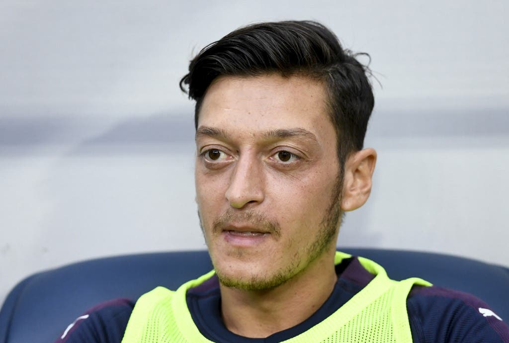 Ozil Travels to Turkey to Seal Fenerbahce Move