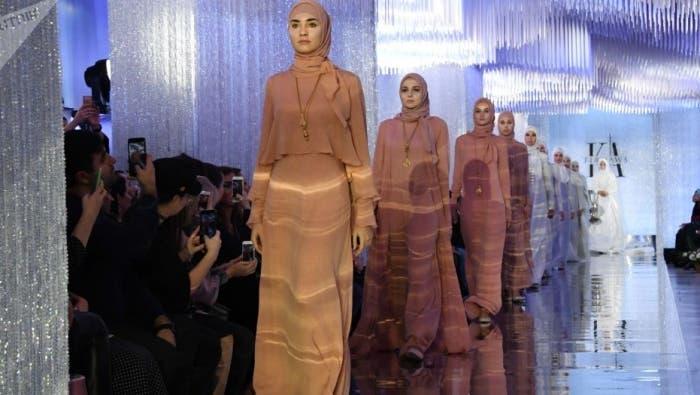 عرض أزياء بالمدينة المنورة يثير استياء واسعاً.. والسلطات السعودية تحقق   البوابة