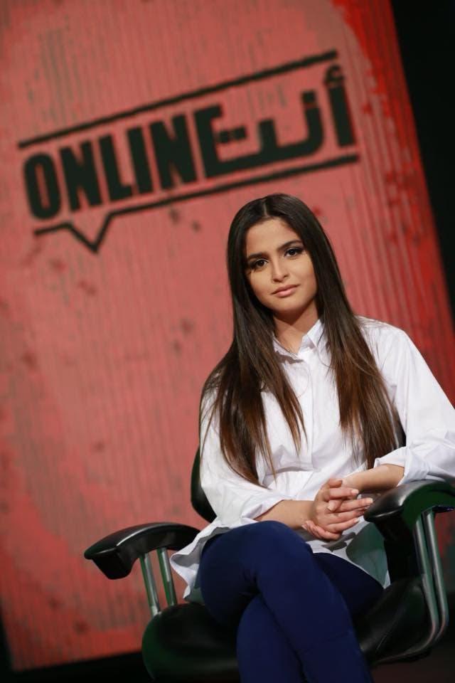 حلا الترك تلتقي بشبيهتها المغنية الأميركية لورين جيرالدو   البوابة