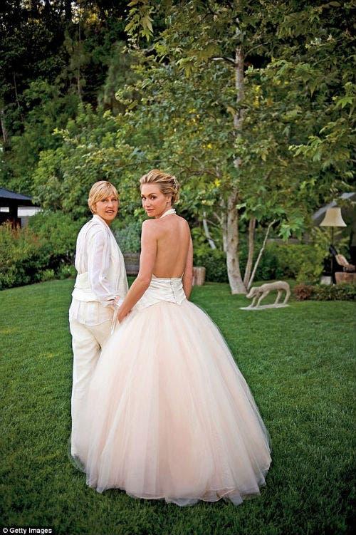 إلين دي جينيريس تتزوج بورشيا دي روسي للمرة الثانية في أستراليا البوابة