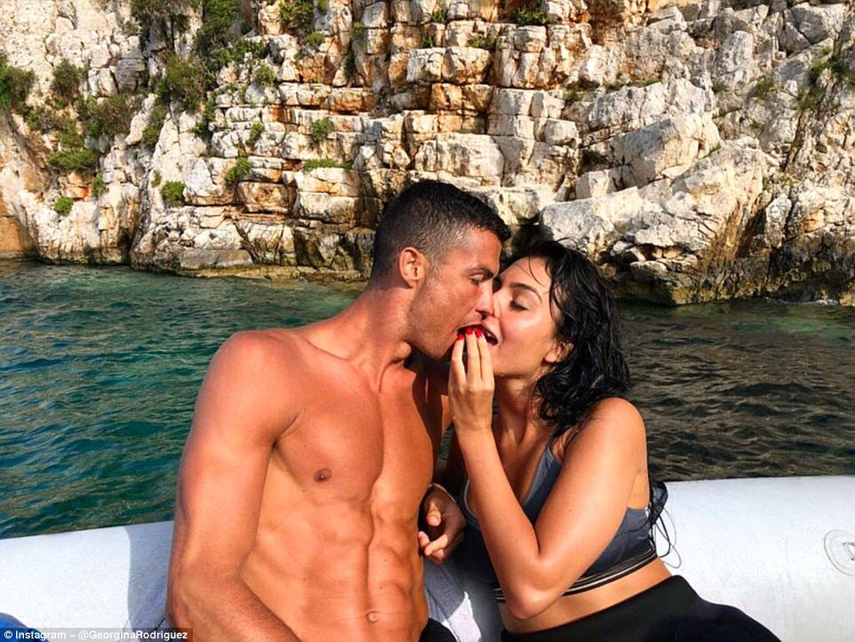 Christiano Ronaldo And Girlfriend Georgina Rodriguez Hit The Beach Al Bawaba