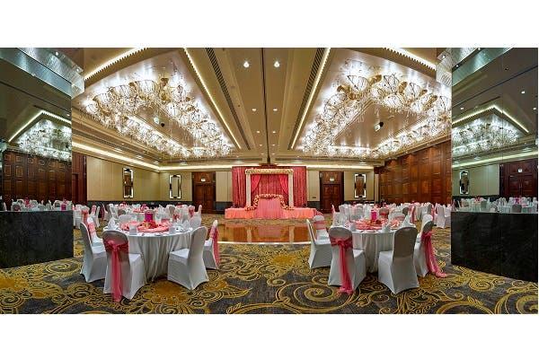 قاعة احتفالات القرهود في فندق ميلينيوم المطار دبي تحتفل بذكراها السنوية الثانية   البوابة