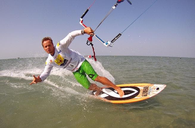 Mike leans into his Guinness Challenge for longest distance kitesurfing