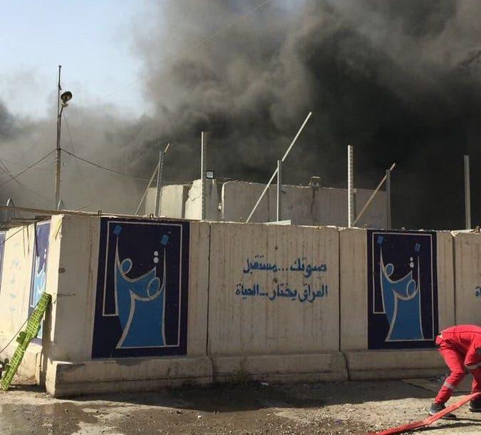 حريق ضخم يلتهم صناديق اقتراع في بغداد