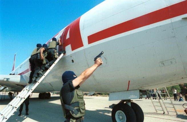 Trouble at Rafik Hariri Airport