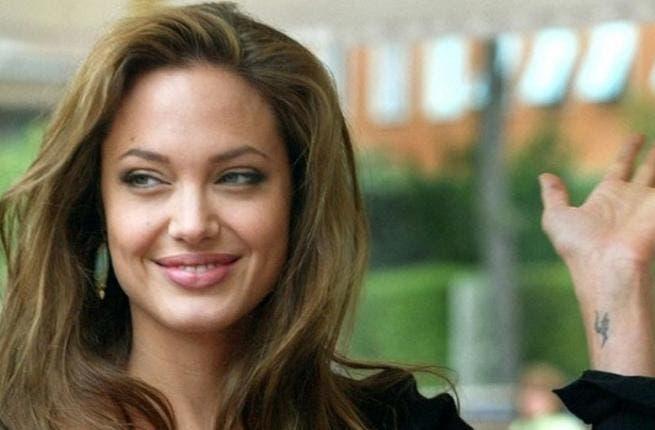 أنجلينا جولي تتفوق على ميريل ستريب في ليلة الميلاد