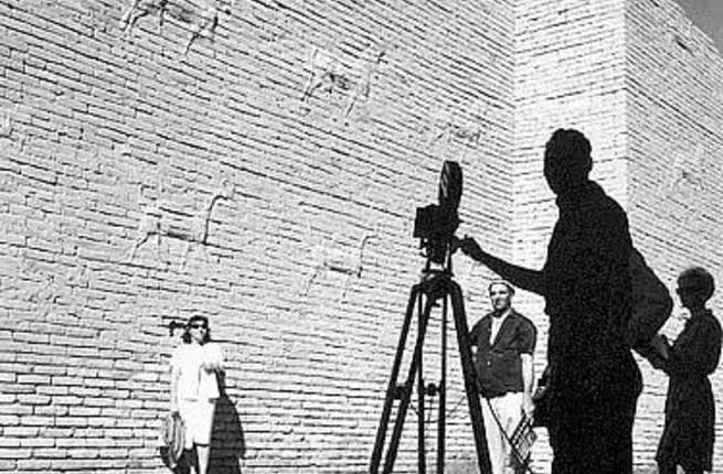 Babel, english company filming about tourism in arab countries. Iraq, 1961, Ani, Latif el - Professional photographer, Ani, Latif el Collection, Copyright © Arab Image Foundation (Photo from the event's Facebook page)