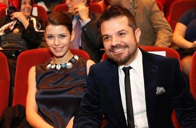 Kenan Dogulu no longer smiling when fiancee Beren Saat kisses her co-star