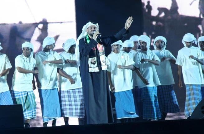 """""""حسين الجسمي """" يحتفل بالعيد الوطني الـ 42 طائفاً أرجاء الإمارات"""