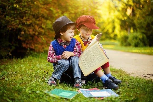 دراسة الطفل في الهواء الطلق تعزز من تعلمه