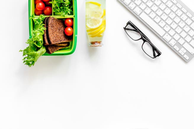 The general rule is that whatever food packed for lunch at the workplace must not be smelly, messy or noisy when eaten. (Shutterstock)