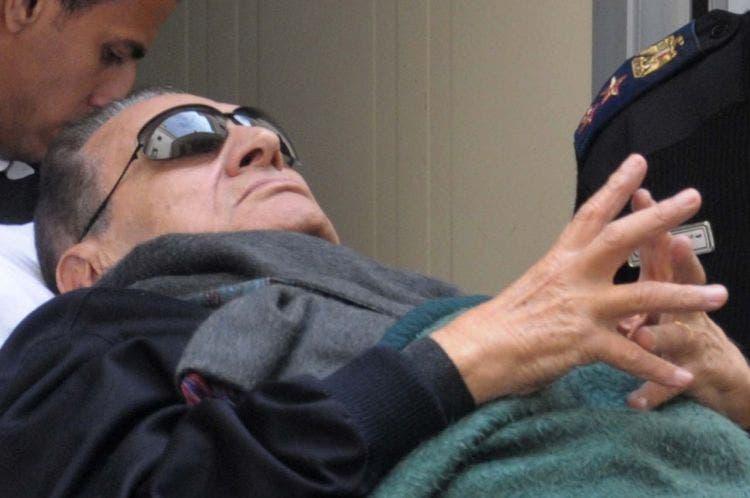 مبارك خارج السجن بالفعل، بحسب محاميه   البوابة