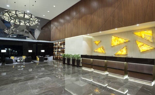 Pictures wyndham opens world s largest tryp hotel in for Biggest hotel in dubai