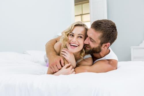 8 نصائح حول العلاقة الحميمة من الدكتورة هبة قطب