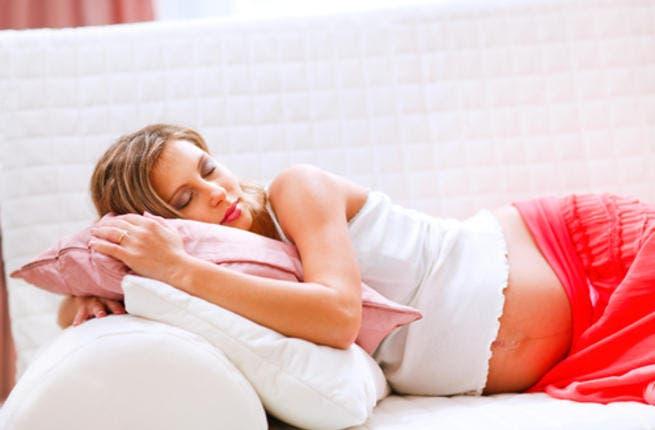 تجنبي رفع القدمين أثناء النوم