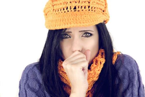 كل ما عليك معرفته عن عصبية النساء الزائدة أثناء الشتاء