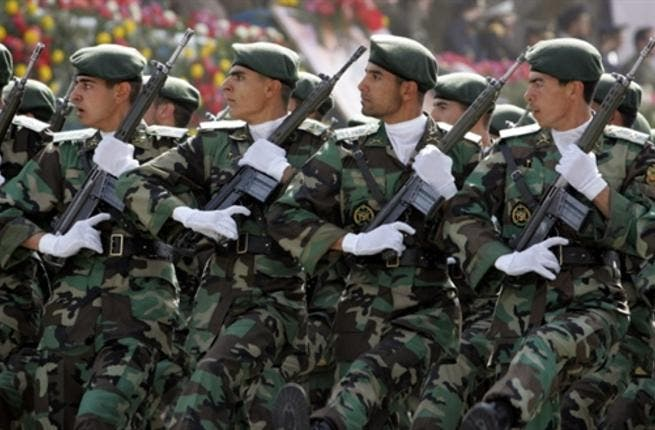 Iranian sodiers march passed President Mahmoud Ahmadinejad (not seen) during the army day military parade in Tehran, 18 April 2007