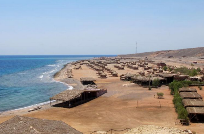 A beach resort on the East coast of Egypt's Sinai Peninsula is empty of tourists due to flaring violence in the area (Source: AFP/Clemens Wortmann)