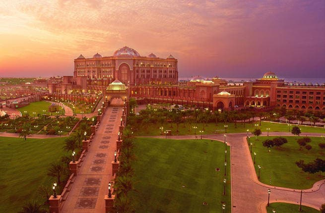 Lap of luxury 15 amazing hotels in the middle east al for Posh hotels near me