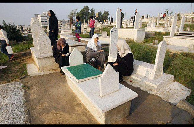 Eid is a time for family, and this includes those relatives no longer with us. It is common during Eid for families to visit their departed loved ones and pray at their graves. The family spirit of this Muslim celebration means that even if you are gone, you are certainly not forgotten.