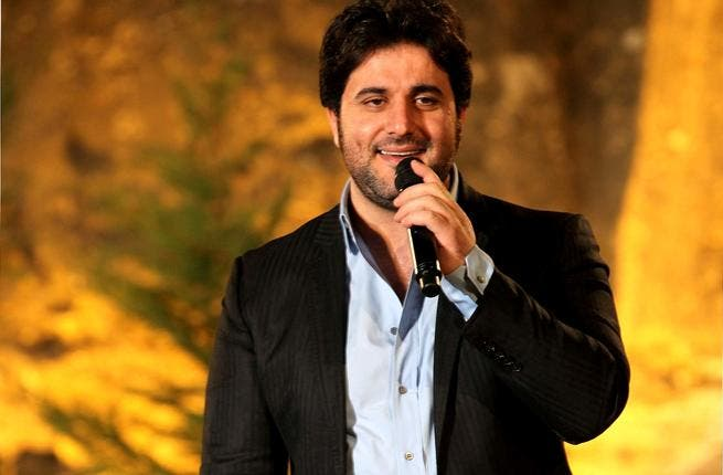 Melhem Zein on-stage in front of a 4,000-strong audience, from all over Lebanon, at the historic Fakra Castle.