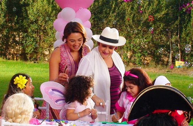 Star singer 'Warda' Al-Jaza'eriya (Known by her family name, translated, 'the Algerian'), aptly, Algerian origin, celebrates her birthday with her new grandchild, and the release of a new video clip.