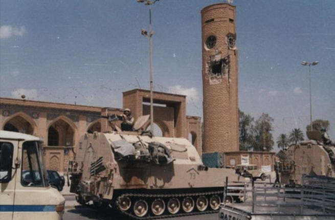 Lopping off heads or mosque domes was part of the war-scape of Iraq. While many would agree on sacking Saddam Hussein from post, we're not so pleased with the sacking of great shrines or museums. The top of the tower of a Abu Hanifa Shrine shrine took the brunt of a US rocket in 2003. The minaret served Iraqi snipers as a look-out.