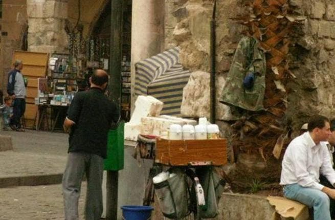 Street coffee vendors: In Egypt, particularly in Cairo, the Arab Big Apple, a lively Middle East city that defies sleep, these caffeine merchants operate late at night.