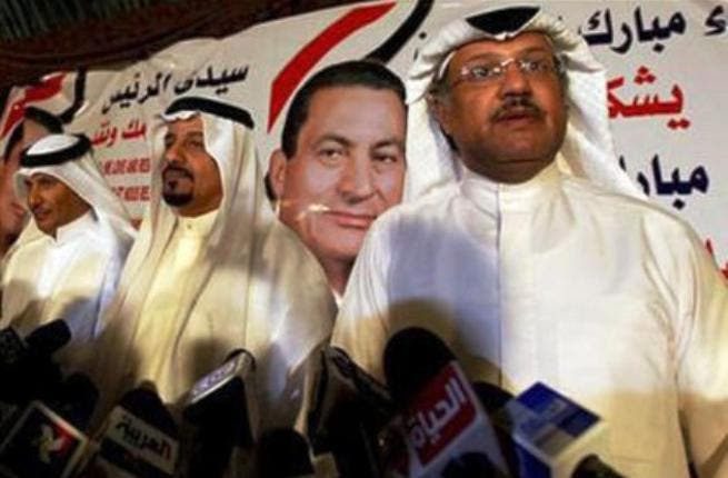 Ten Kuwaiti lawyers joined Mubarak's defense team for the third round of his protracted trial for corruption and killing protesters. 