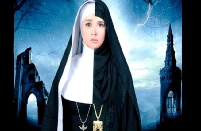 Sister Teresa brings us layers of dramatic irony with Muslims playing Christians playing Muslims! It stars the veiled Egyptian actress Hanan Turk (who faces her own ordeal with sectarians in Egypt). The story is about twin female sisters raised by two separate families: one Muslim, and the other Christian-raised 'sister' chose the life of a nun.
