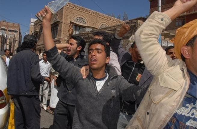 Dozens of Yemeni activists calling for the ouster of Yemen's President Ali Abdullah Saleh clash with the regime's supporters in Sanaa during protests.
