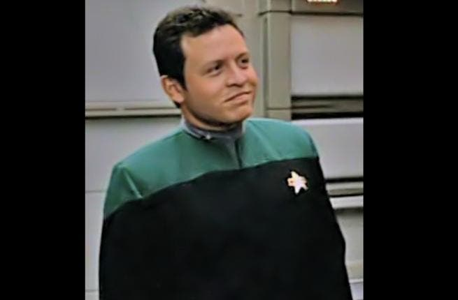 In a quirky twist that no other leader can include in their bragging rights, a younger HM King Abdullah (before taking on his kingly duties) had a brief cameo on Star Trek. Who said Arab leaders aren't fun?