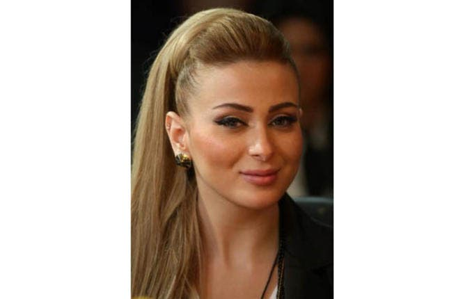 Sexy Syrian Farah Yusuf has managed to dodge any negative comments since first stepping foot on the Arab Idol stage back in the audition rounds. The glamorous diva might look like a shoo-in for the final but as any fan of the show knows, anything can happen!