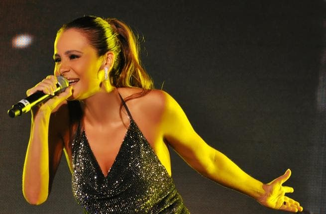 If Lebanese were supposed to grieve by not singing in public, nobody told Carole Samaha. The diva sang in front of crowds at Abu Dhabi's Trop Fest Arabia, in the UAE.