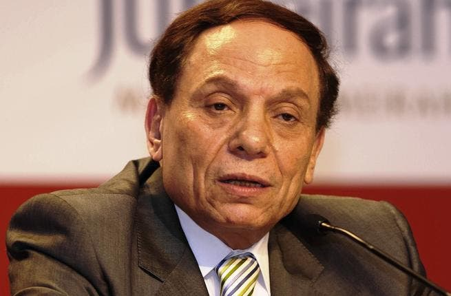 'Adel Imam' eagerly awaits the second round of the elections, and declares that he is very optimistic regarding
