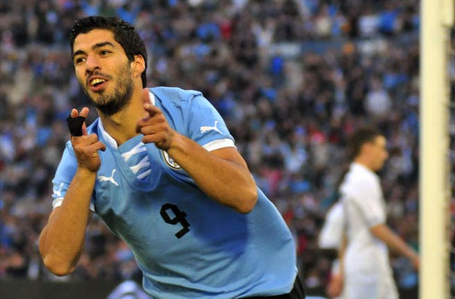 Who should we be looking out for on the Uruguay side? Beyond Suarez, La Celeste has the sturdy experience of veteran captain Diego Lugano in the back, along with Martin Caceres - Right Back for Juventus --who will be working his magic on the right flank.