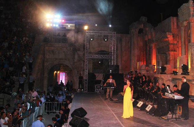 Coming over all Roman Goddess: Lebanese songstress Dina Hayek's Jerash performance was worthy of a notable mention, literally! And so it came to pass... a surprised Dina was celebrated and honored with an award by the head of the festival to the tune of thousands of fans cheering her on.