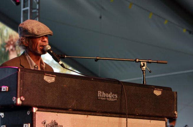 After a campaign from his supporters, revolutionary poet and singer/songwriter Gil Scott Heron cancelled a gig he was due to play in Tel Aviv back in 2010, announcing the decision on stage at London's Royal Festival Hall.