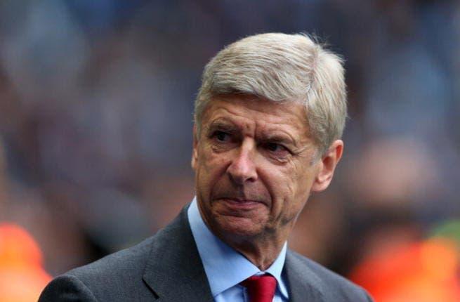 Arsenal's Arsene Wenger begins mind games with Chelsea boss Mourinho