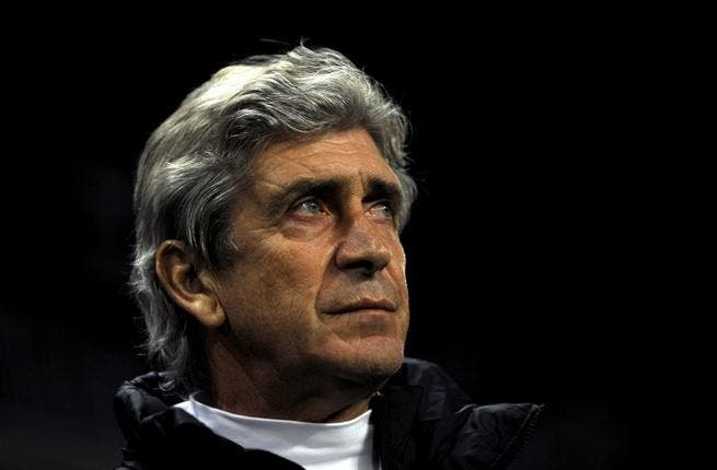 Pellegrini plays 'mind games' over Mourinho's claims Chelsea are out of PL title chase