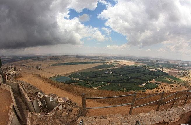 Syria seen from the Golan Heights (Wikimedia Commons/ photos8.com)