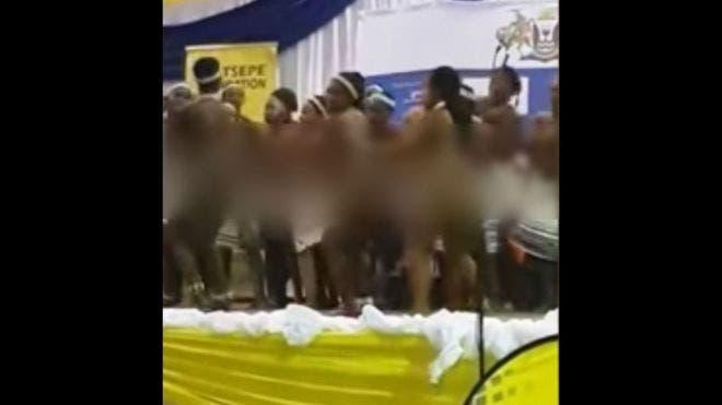 عارم جنوب إفريقيا.. تلميذات رقصنَ