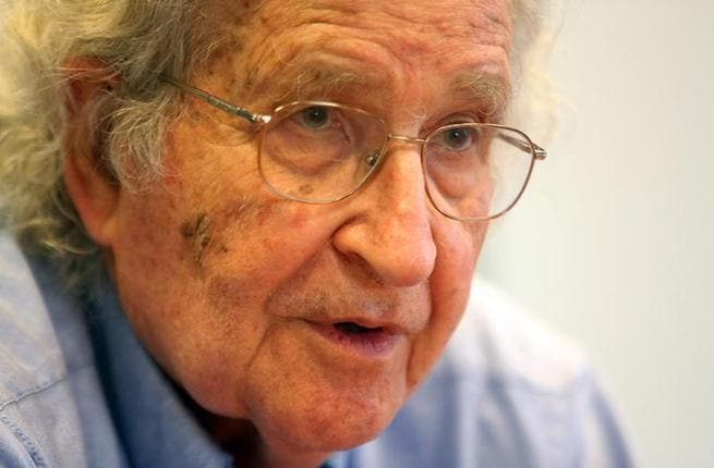Noam Chomsky discusses the future of the MidEast (Photo: Marwan Bu Haidar / Al Akhbar)