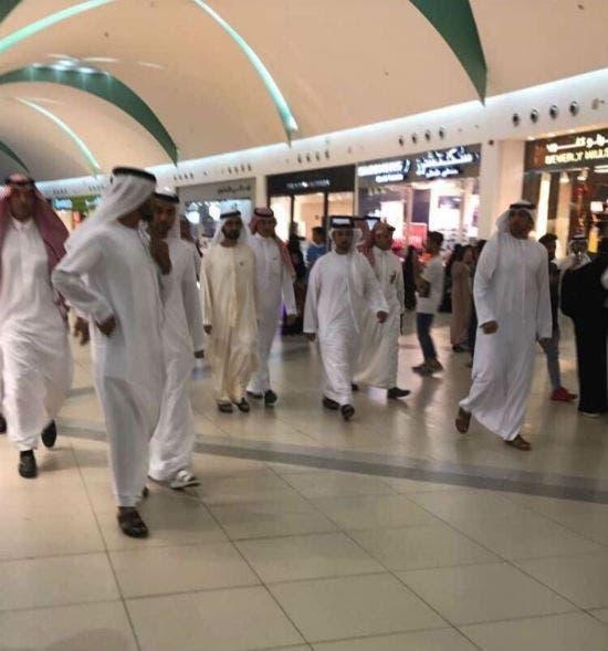 """محمد بن راشد يفاجئ السعوديين في """"الظهران مول"""""""