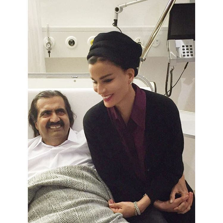 شاهد عبرت الشيخة موزة حبها للشيخ تعافيه بالصور! بوابة 2014,2015 ameer-29-878.jpg