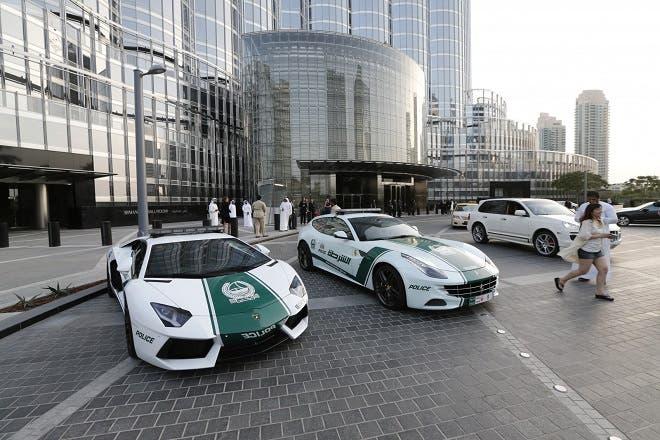 What S Inside A Dubai Police Patrol Car Video Al Bawaba